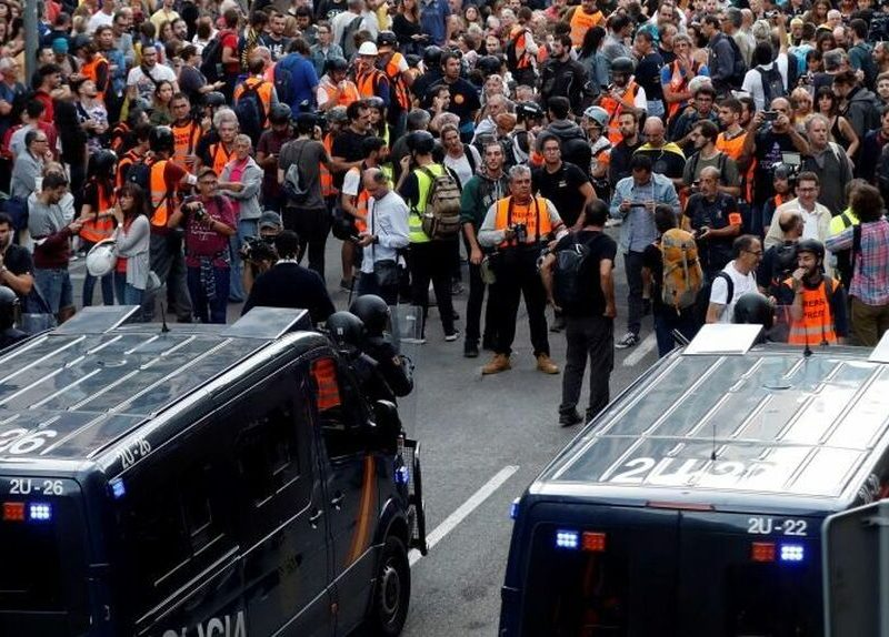 Policías denuncian a dos medios catalanes por llamarles nazis y fuerzas de ocupación