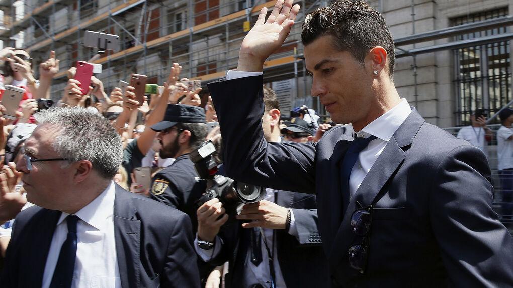 Ronaldo llegó a un acuerdo de 325.000 € con una mujer que lo acusa de agresión sexual