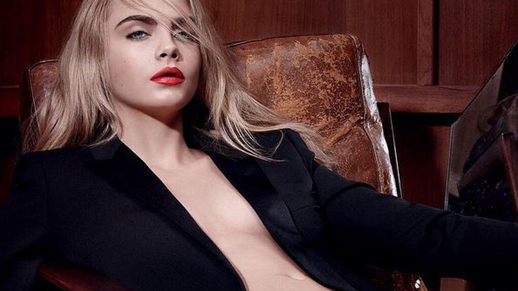 Cara Delevingne continúa en la moda desnudándose para Yves Saint Laurent