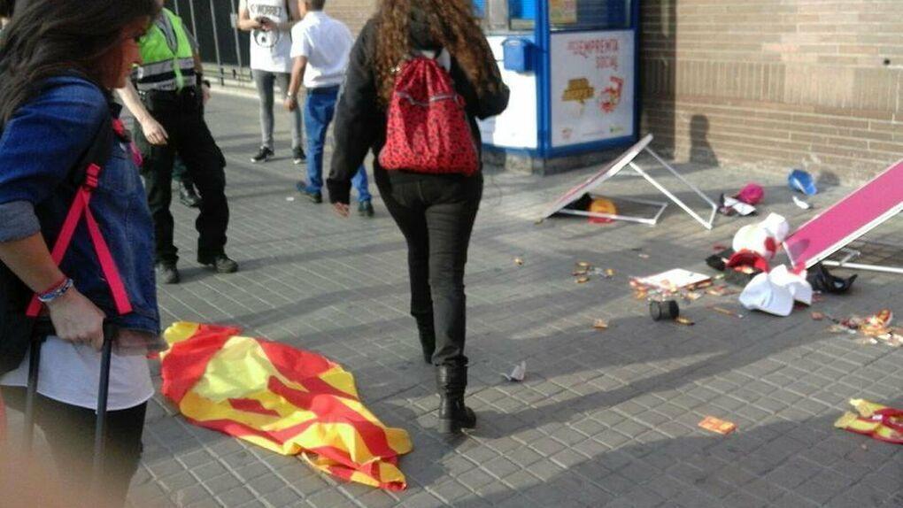 Cárcel para los independentistas que agredieron a dos chicas de 'Barcelona con la Selección'