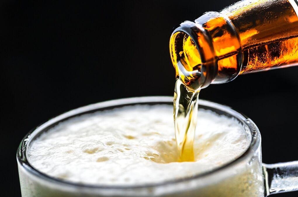 El consumo de alcohol se dispara en España: el truco para beber sin engordar