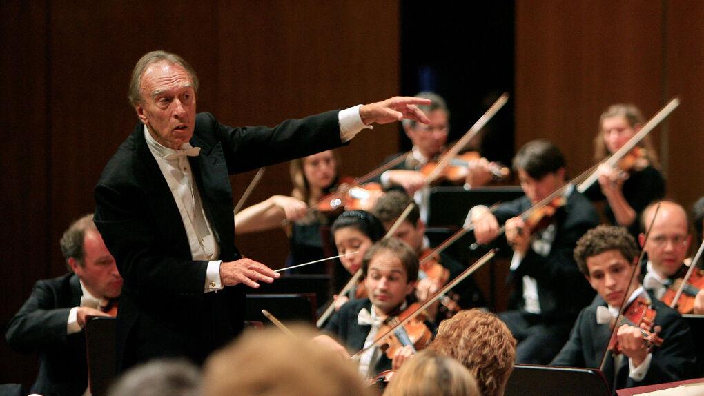 Abbado, el director que para regresar a la Scala de Milán pidió 90.000 árboles