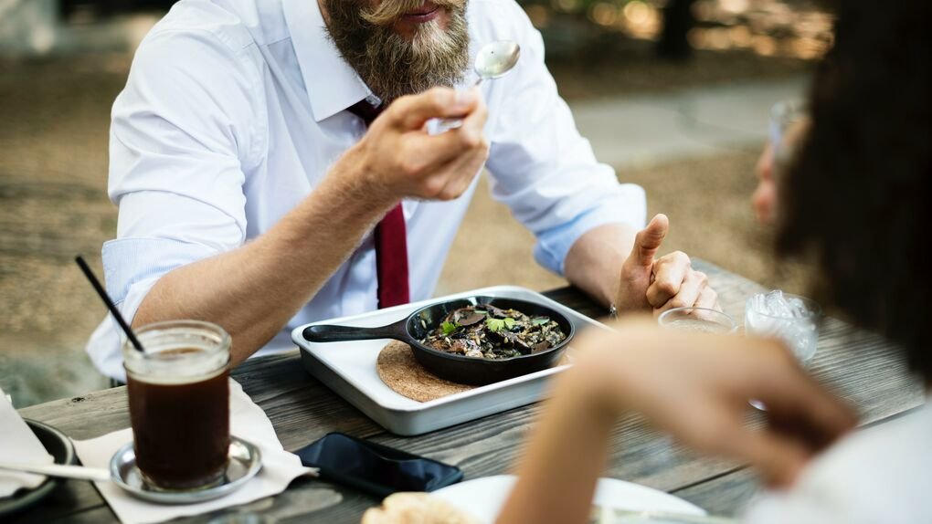 La CEOE pide que el vale de comida recupere la exención fiscal de antes de 2013