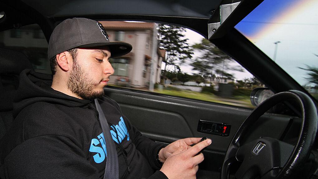"""""""Si eres incapaz de no mirar el móvil cuando conduces, es que tienes un problema"""""""