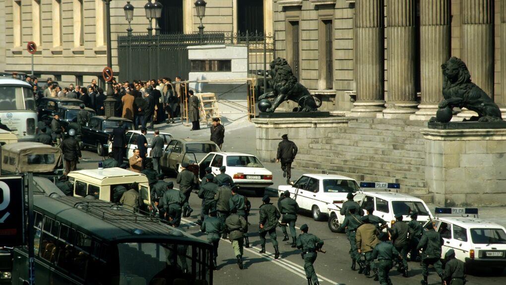 Los dictadores 'révoltés' y el mito del 23-F