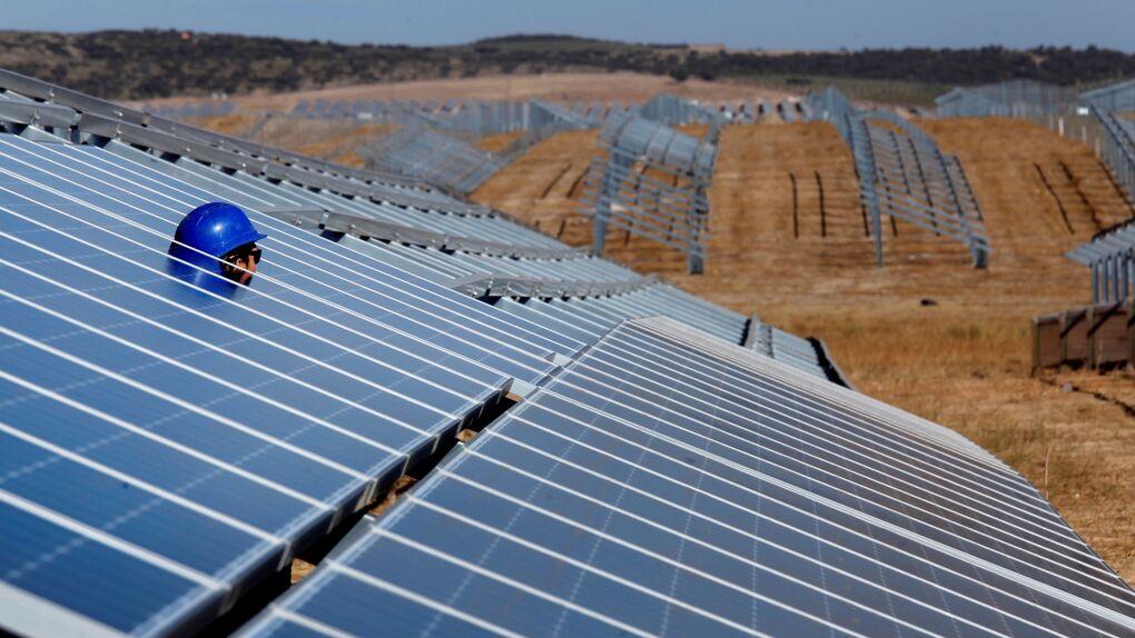 España pide a la justicia de EEUU frenar el pago de su mayor sanción por las renovables