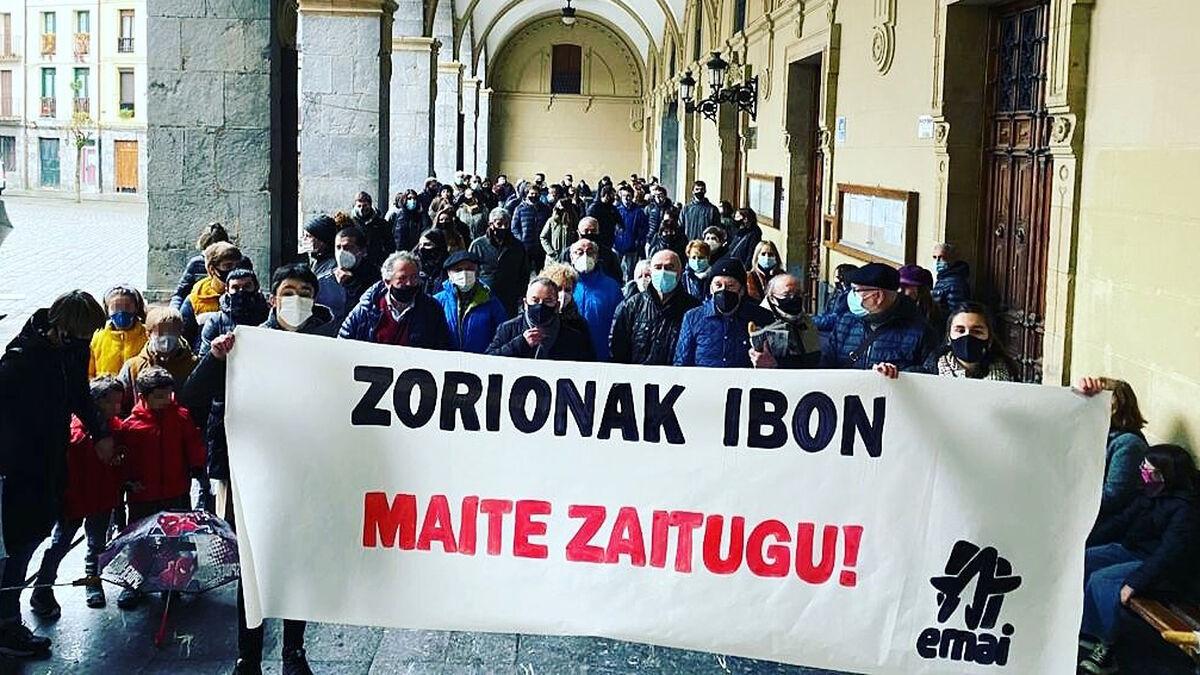"""""""Te queremos"""" para un jefe de ETA: 184 actos disparan la apología terrorista en el País Vasco"""
