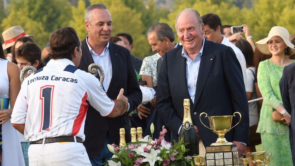 Don Juan Carlos, protagonista de un exclusivo torneo en Sotogrande previo a la boda del año