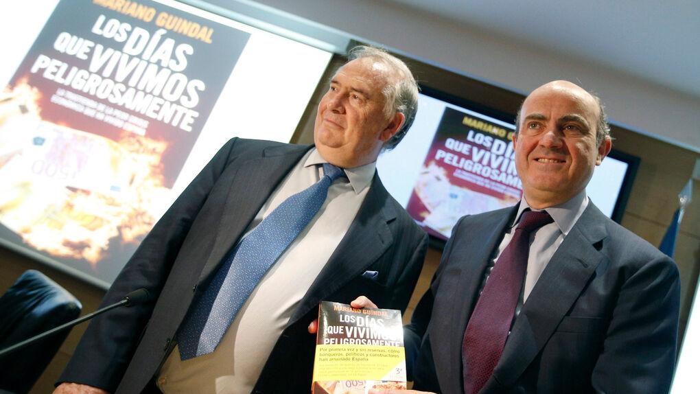 Guindos amenazó con suspender la presentación de un libro 10 minutos antes