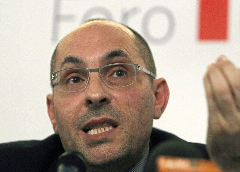 El juez inhabilitado Elpidio Silva se integra en la candidatura de la ANC en el Colegio de Abogados