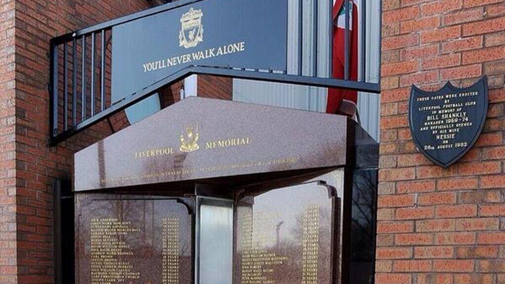 Emotivo homenaje en Anfield a las 96 víctimas de la tragedia de Hillsborough, otra vez investigada