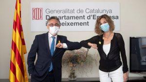 El sector liberal de Junts envidia a Ayuso y acusa a ERC por cerrar los bares en Cataluña