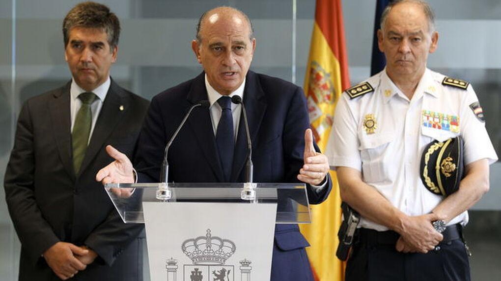 """""""Benedicto XVI me dijo que el demonio quiere romper España"""": las palabras del exministro Fernández Díaz se hacen virales"""