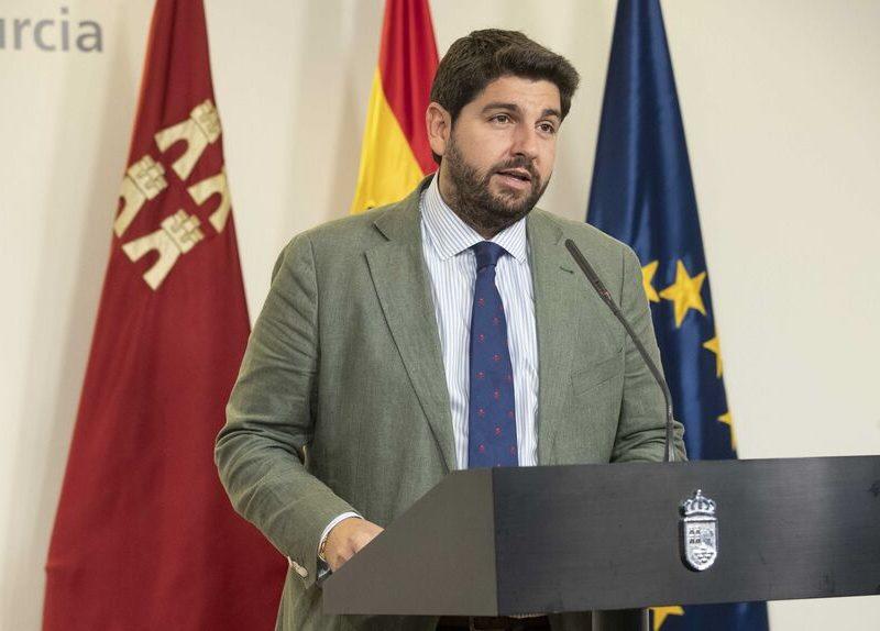López Miras divide a Ciudadanos al no cesar a varios consejeros naranjas