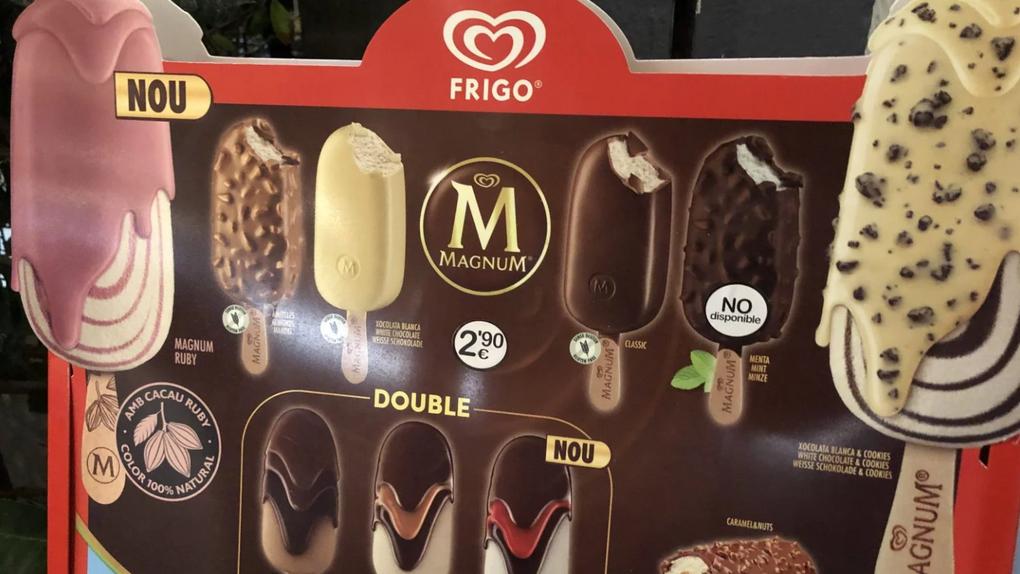Frigo elimina el castellano de sus carteles de helados en Cataluña mientras deja el alemán, el inglés y el catalán