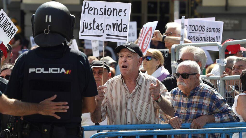 Los jubilados, el colectivo con menos cargas económicas y menos riesgo de pobreza