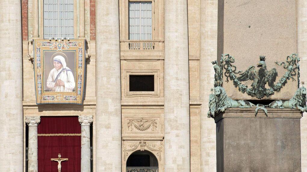 El Papa Francisco canoniza a la Madre Teresa de Calcuta en el Vaticano