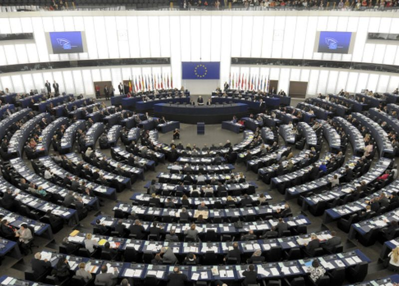Vox presiona a la Eurocámara para que tumbe un informe que blinda el derecho a abortar