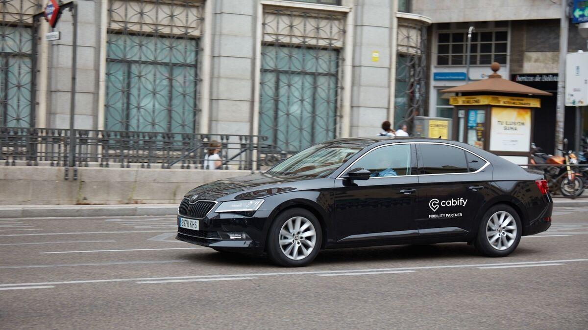 Viajes seguidos al volver a casa: así rentabilizan las carreras los conductores de Cabify
