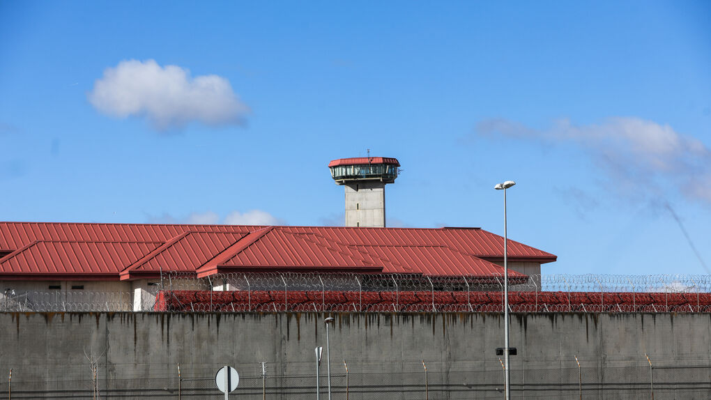 Interior traslada a cárceles próximas al País Vasco a otros dos presos de ETA