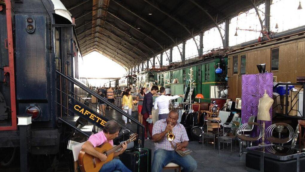 Enfado en Adif por la celebración de un 'mercadillo' gigante en el Museo del Ferrocarril