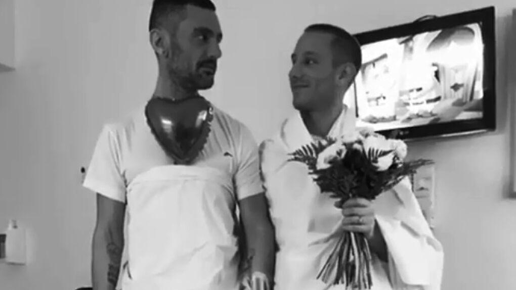 Sale a la luz el vídeo de la boda secreta de David Delfín y Pablo Sáez en el hospital