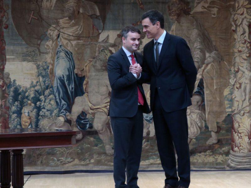 Vox pregunta qué hace Iván Redondo, cargo público de Moncloa, de asesor de Illa en las catalanas