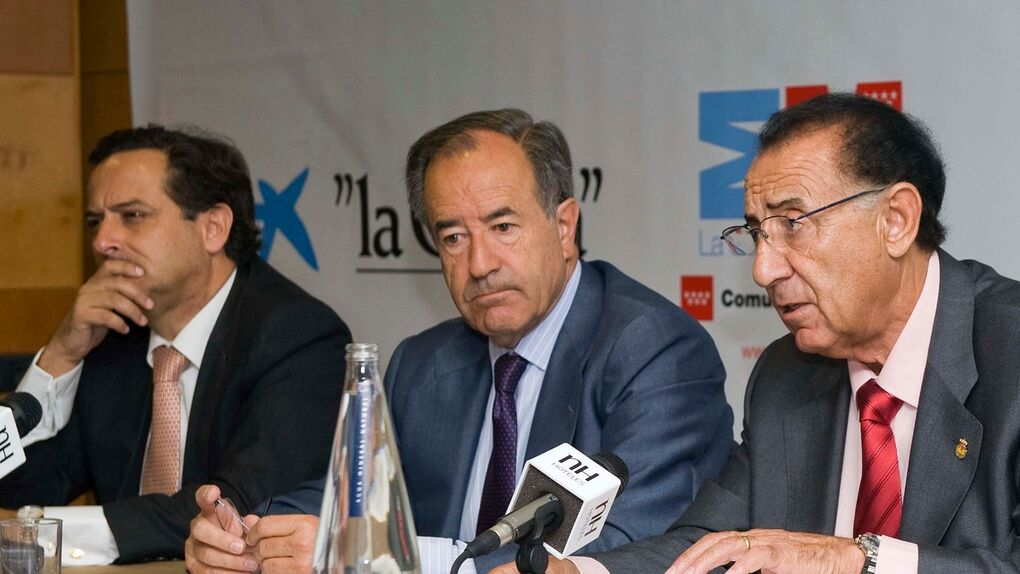 Ignacio González despide a Jesús Sainz, presidente de PromoMadrid