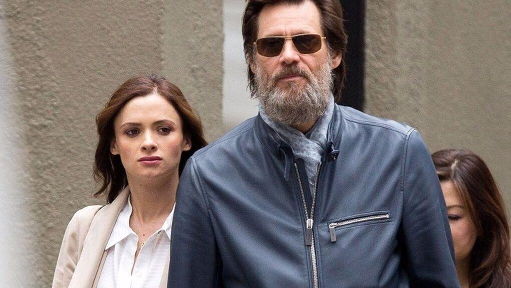 La expareja de Jim Carrey se suicidó con pastillas a nombre del actor
