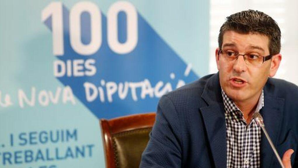 El expresidente de la Diputación de Valencia acusado de colocar a militantes deja el PSOE