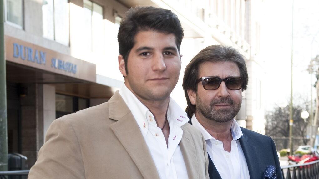 Desahucian a Julián Contreras Jr. y a su padre por no pagar el alquiler