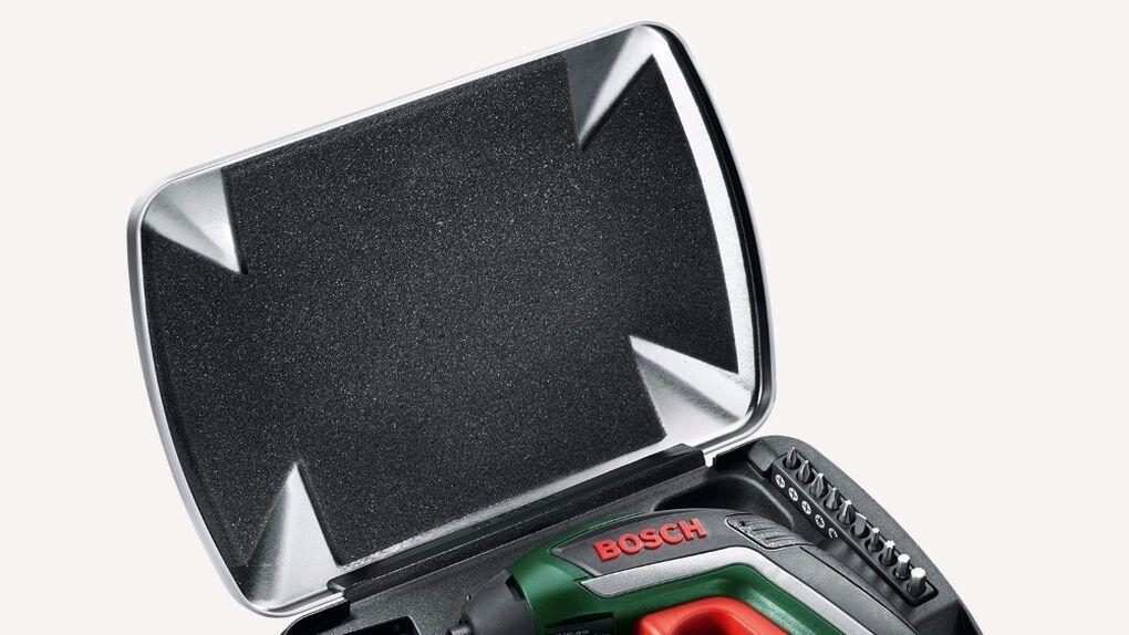 El destornillador de James Bond también es un utensilio de cocina