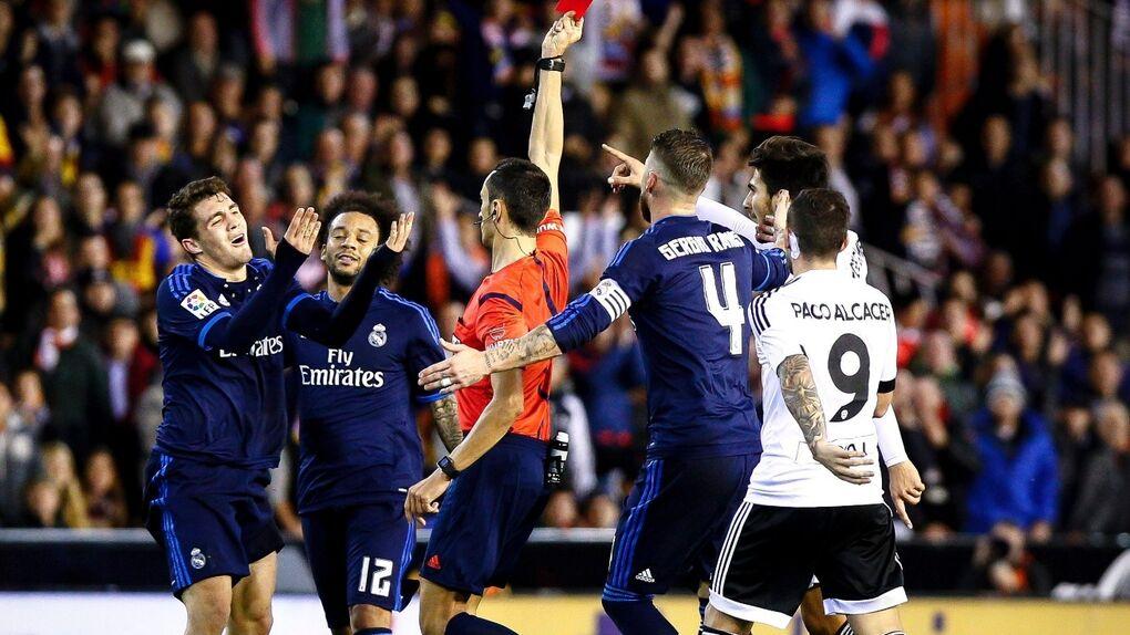 Empate bravo del Real Madrid que se deja en Mestalla dos puntos y su credibilidad defensiva