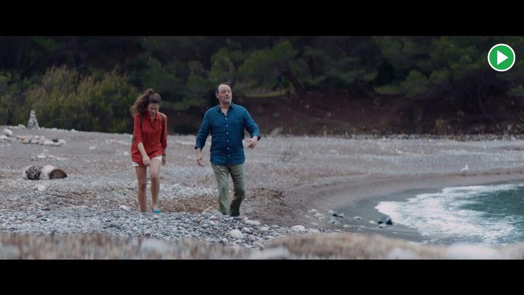 Descubre el encuentro casual entre Jean Reno y Laia Costa