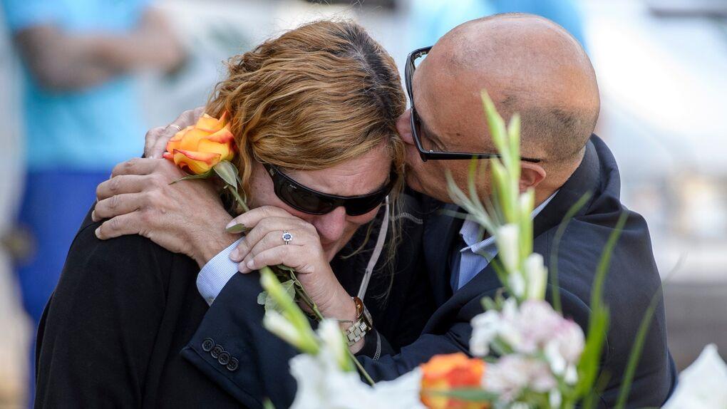 El último y triste adiós a Leandro de Borbón sin nadie de la familia real presente