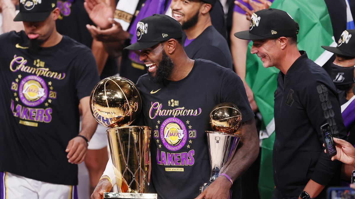 Los Lakers confirman las renovaciones de LeBron James y Anthony Davis