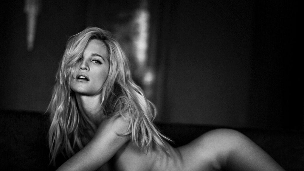 El topless provocativo y a conciencia de la hermana del exfutbolista del Madrid