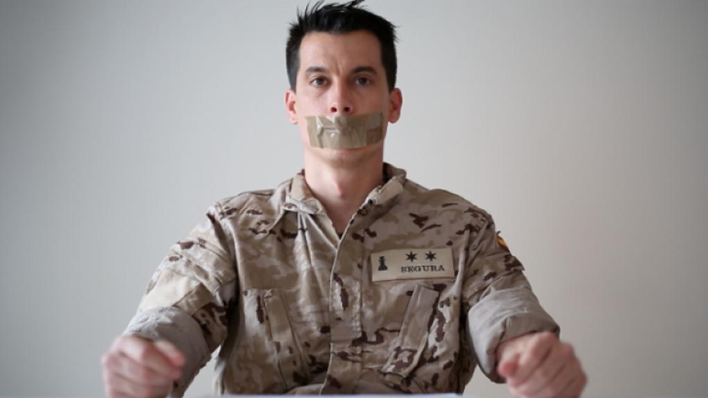 El teniente Segura 'asesina' a varios oficiales del Ejército en su segunda novela