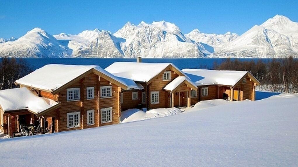 Lyngen Lodge: Nieve y auroras boreales desde el jacuzzi
