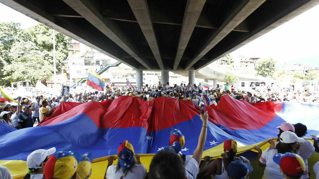 Unos 120 miembros de Fuerzas Armadas de Venezuela han desertado en Colombia