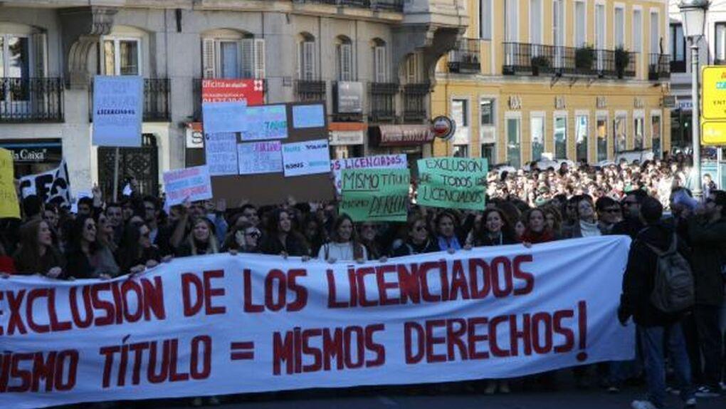 La Ley de acceso a la Abogacía condena sin trabajo a los licenciados en Derecho