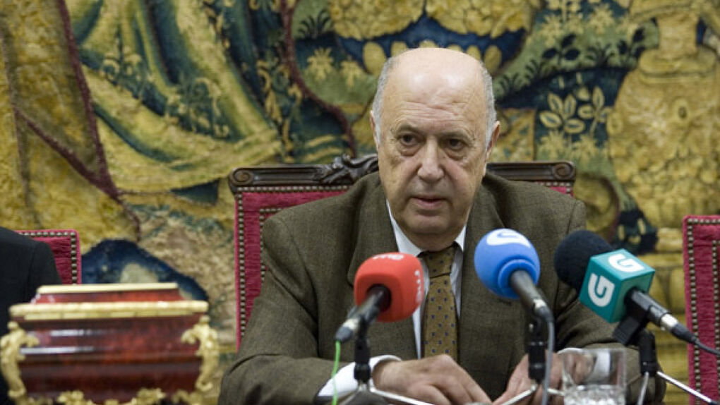 Méndez Ferrín: una dimisión con muchos agradecimientos y pocas explicaciones