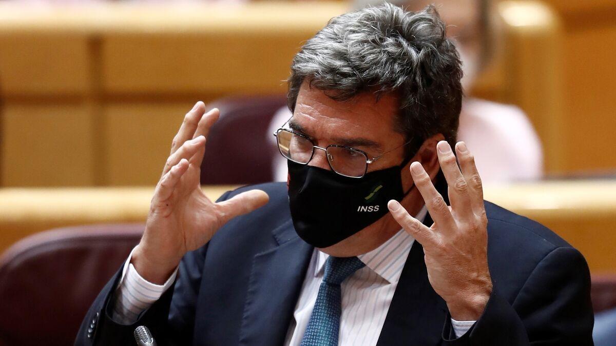 """Escrivá se desvincula del polémico vuelo de Granada: """"No hemos autorizado nada"""""""