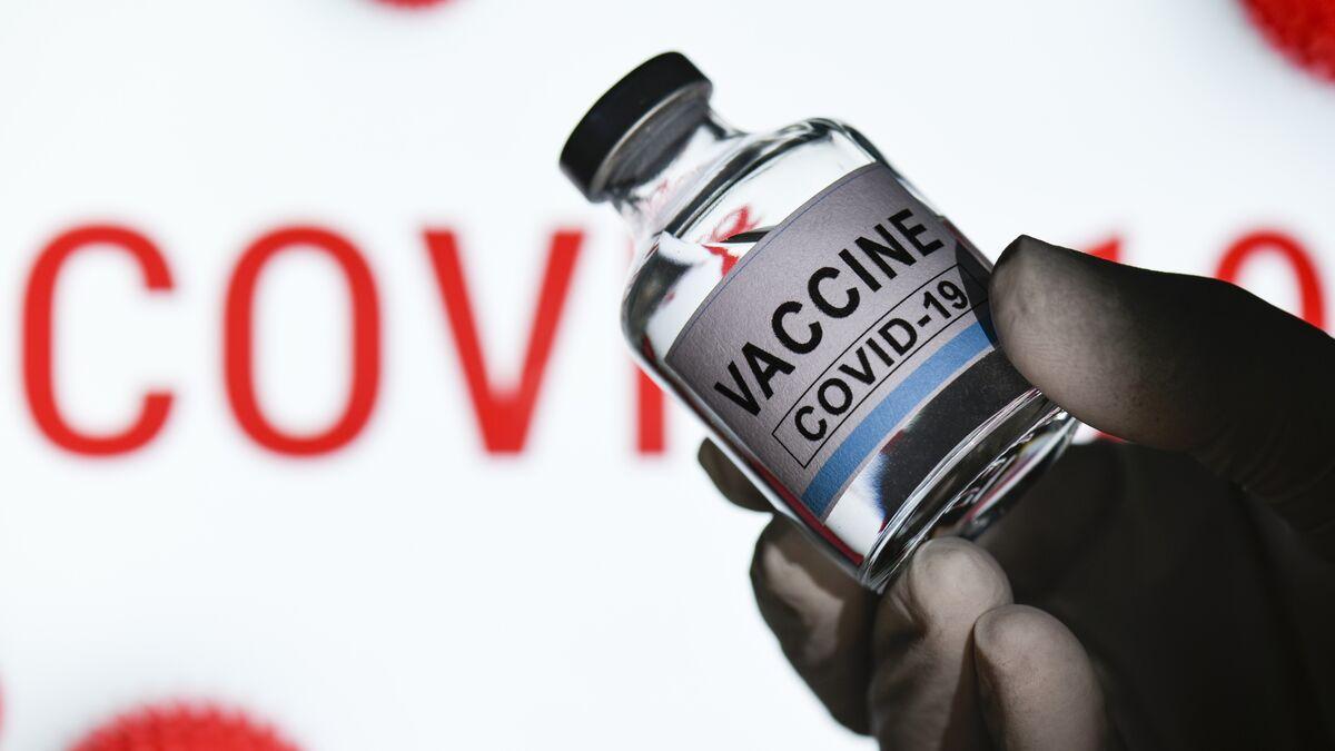Sanidad repartirá este viernes 328.800 vacunas de Moderna entre las comunidades