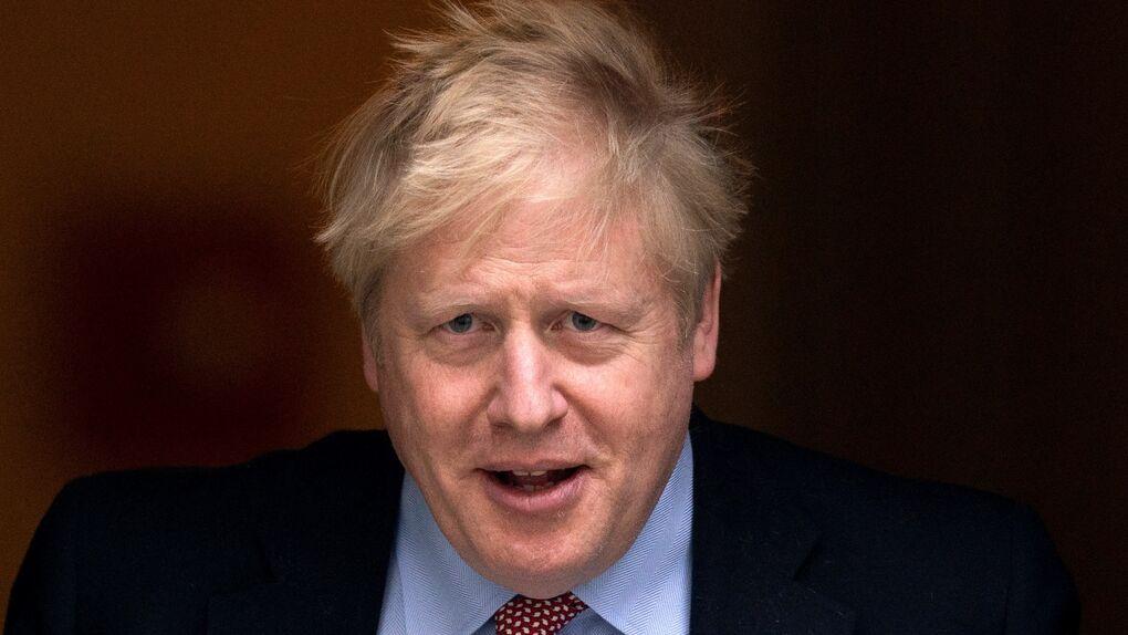 Reino Unido prohíbe las reuniones en domicilios en Mánchester y otras zonas