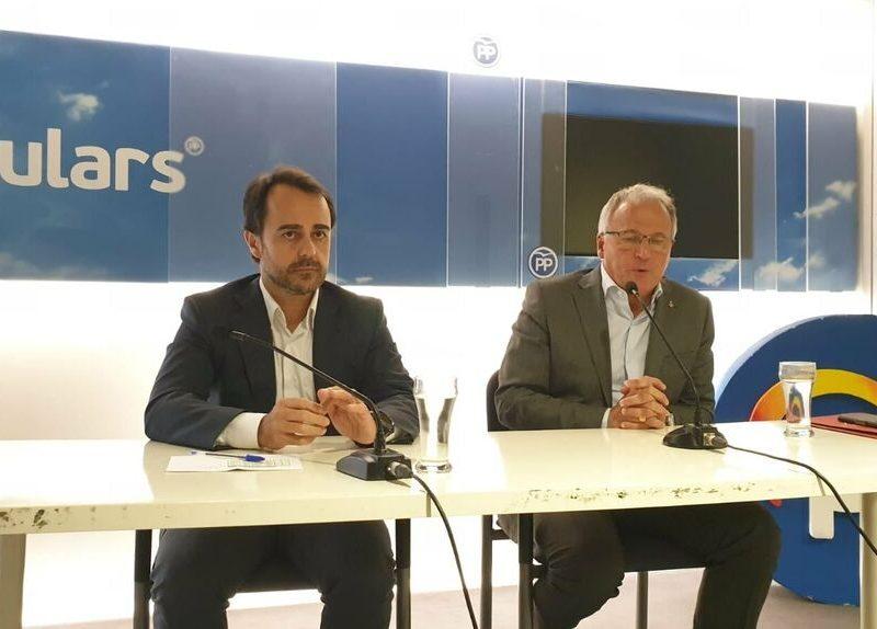 Génova busca pacificar el PP catalán con una candidatura de consenso por Barcelona