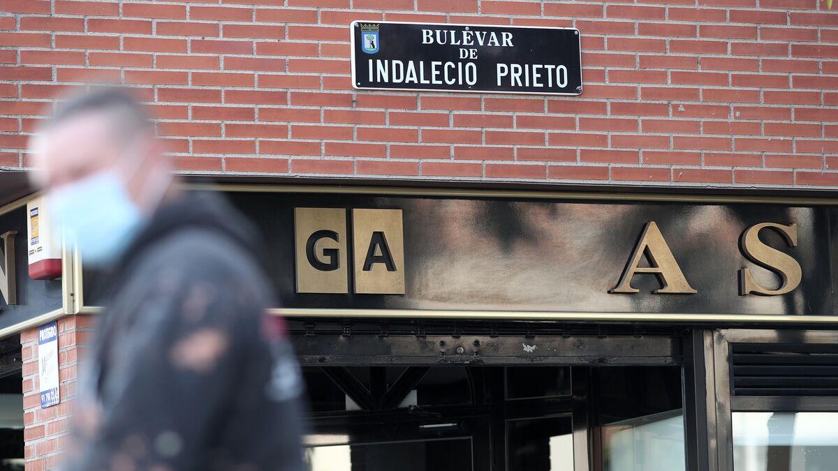 Madrid podrá retirar las calles de Prieto y Largo Caballero pero no las estatuas