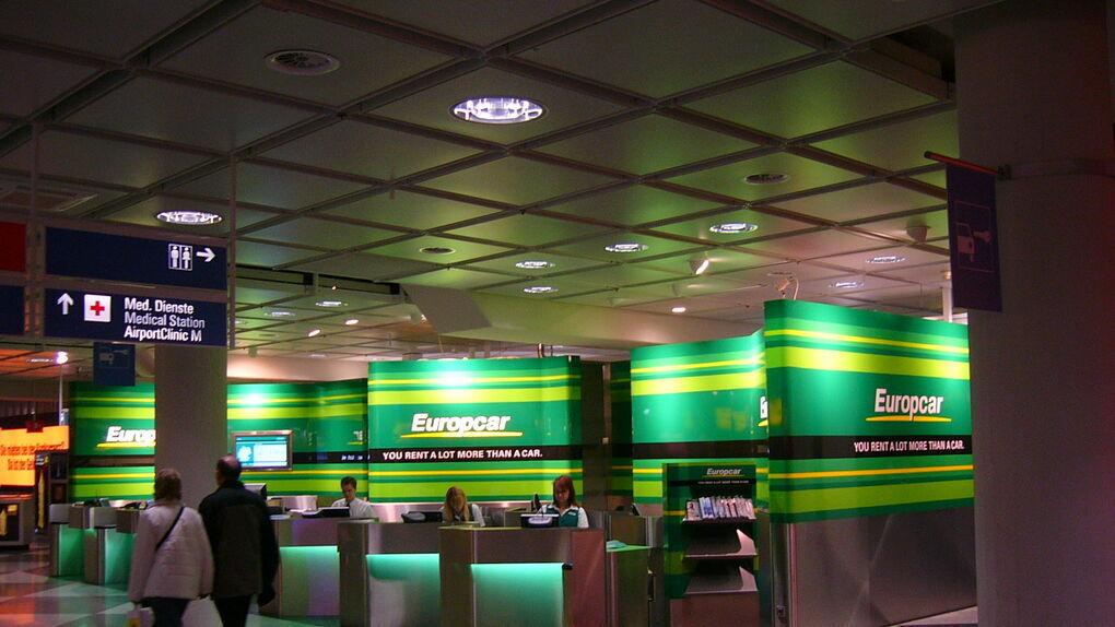 Europcar logra un crédito ICO de 36 millones mientras pide otro a Macron