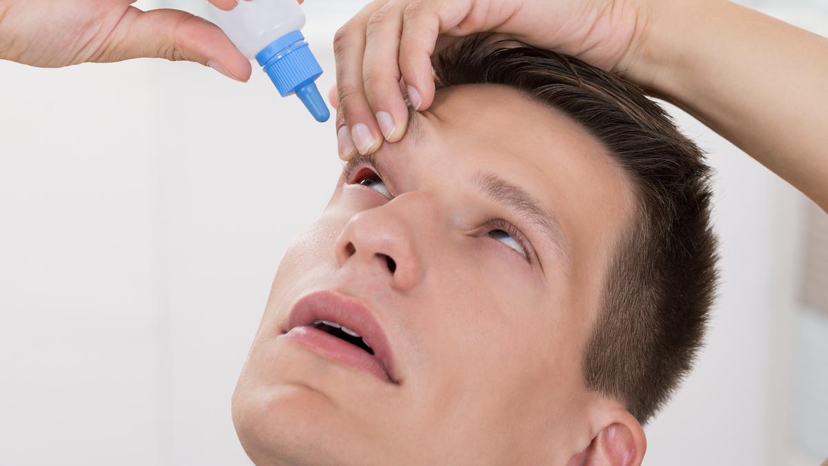 Ojos rojos: qué enfermedades puede haber detrás y cómo evitarlo