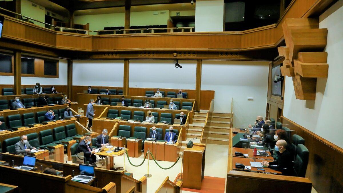 El Parlamento vasco rechaza que la UME intervenga en la región cuando sea necesario